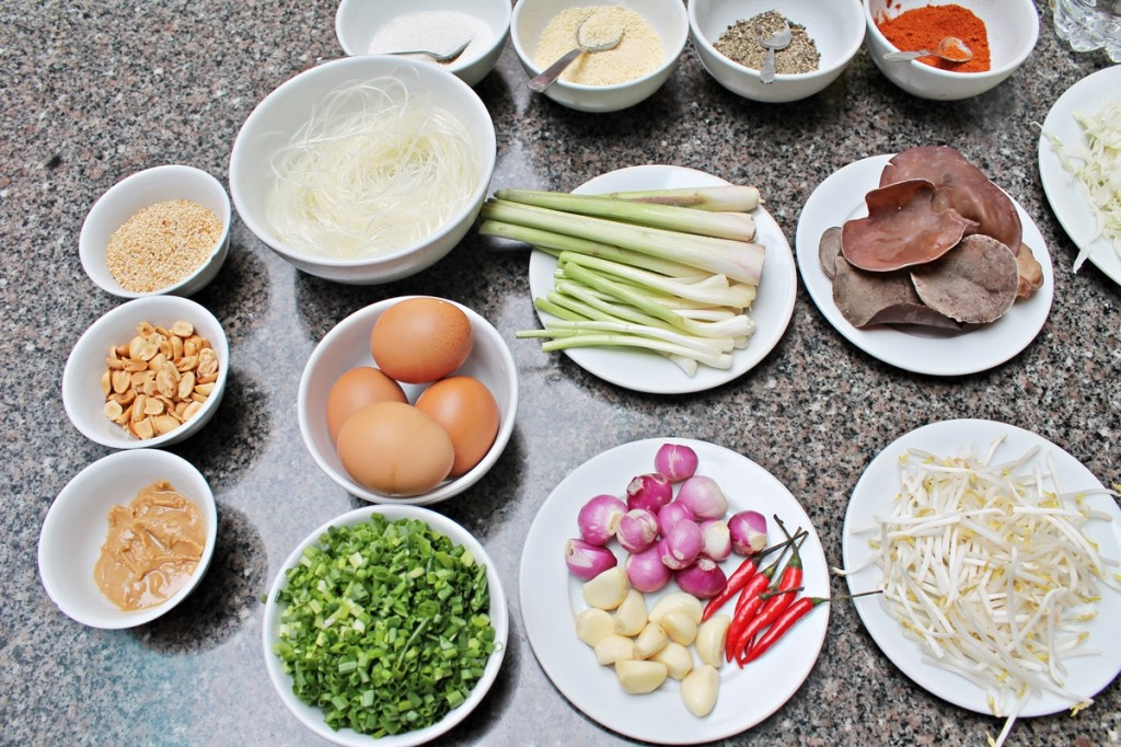 Ingredienserne til dagens menu var ordnet og sat frem, da vi kom