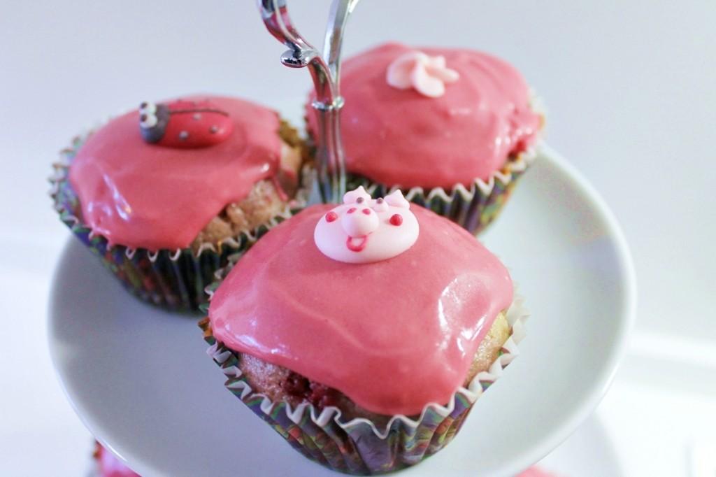 hindbærcupcakes, færdige1, januar 2013