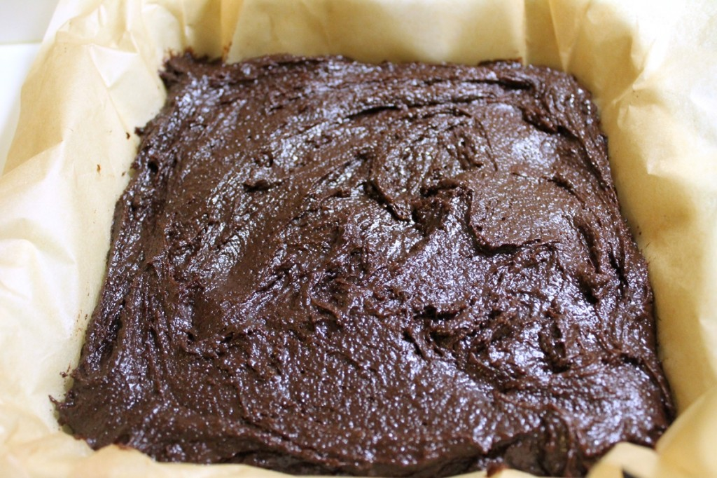 Chokoladekage med karamel,  kage i fad, marts 2013