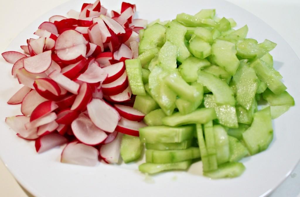 kartoffelsalat, agurker og radisser, marts 2013