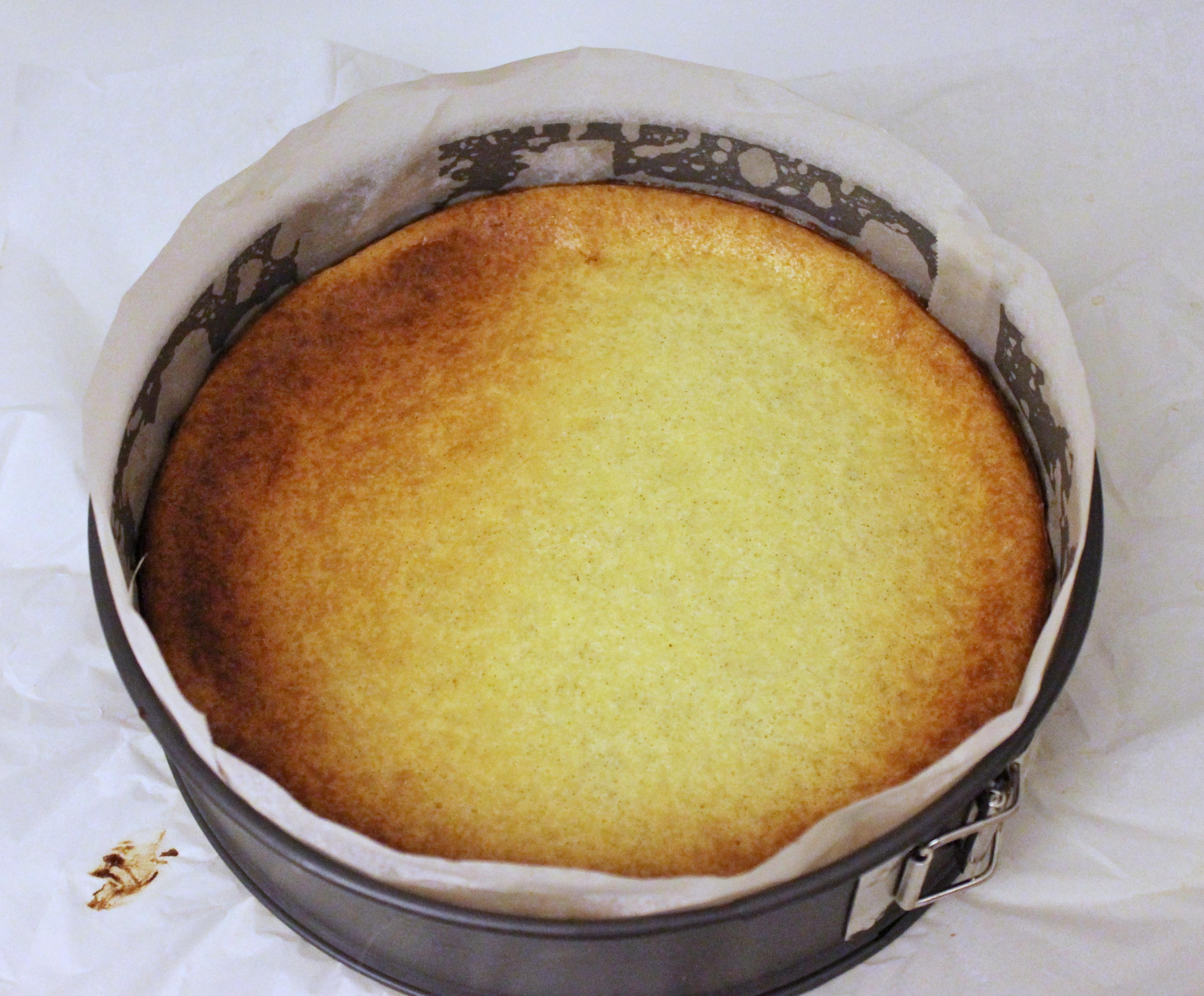 Bagt cheesecake med solbær og lakrids