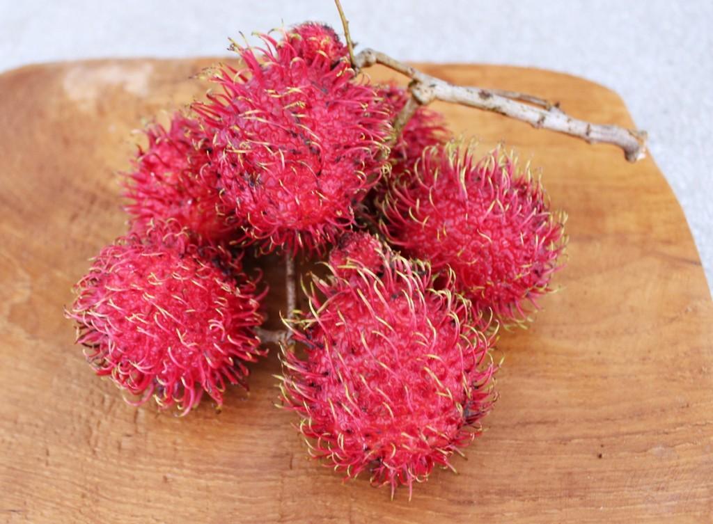 Sydøstasiens eksotiske frugter, rambutan, Bali april 2014