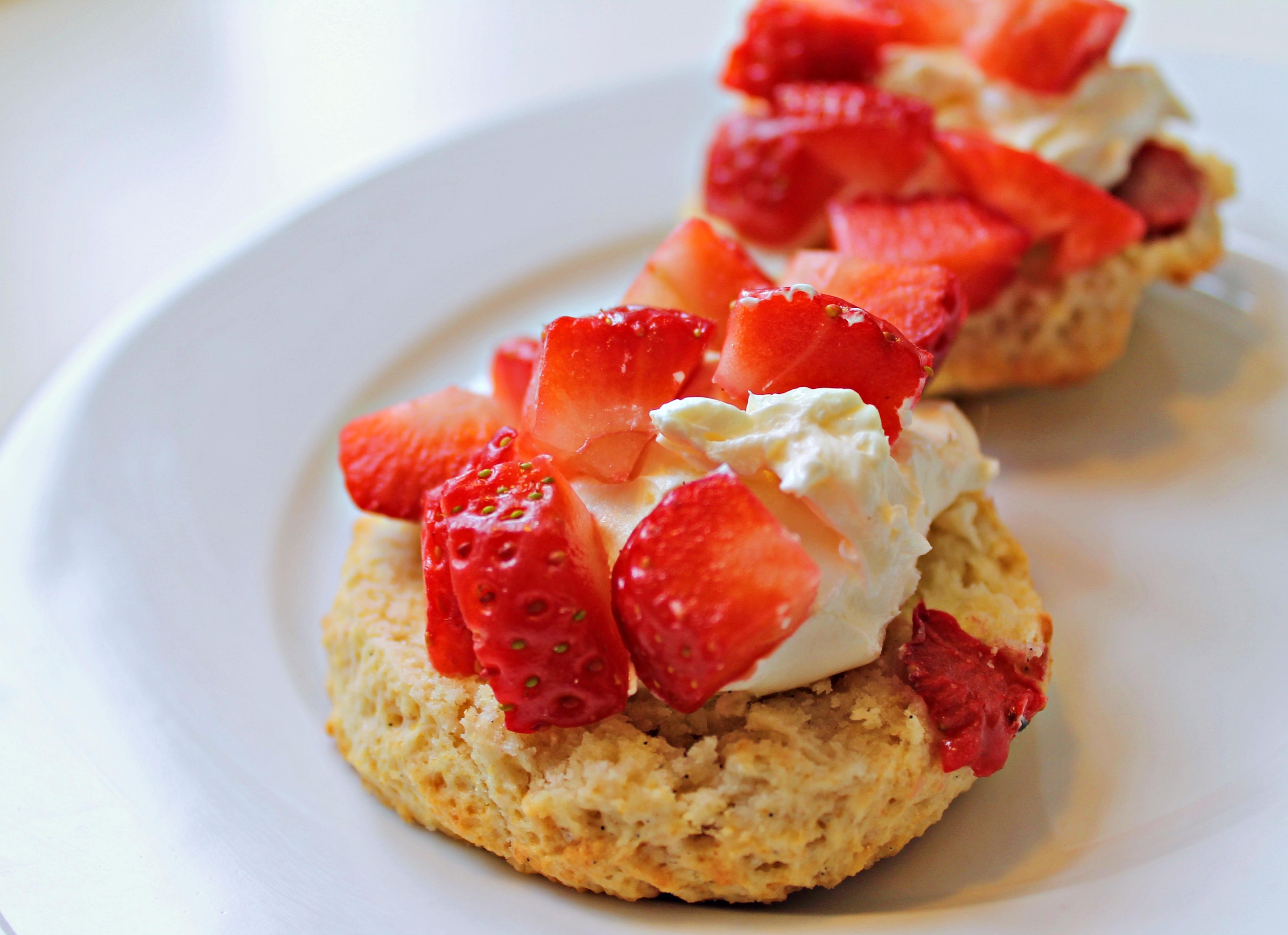 Jordbærscones med mascapone